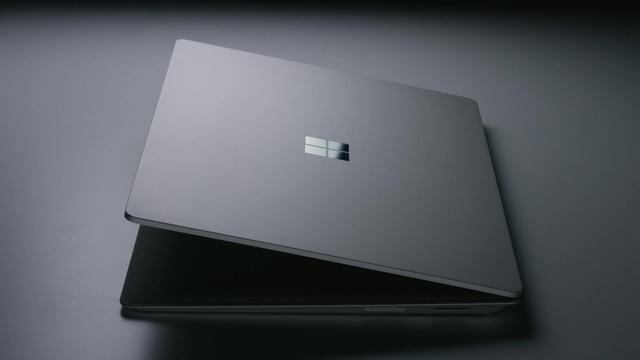 Surface_Laptop_Silver_de-DE Video 3