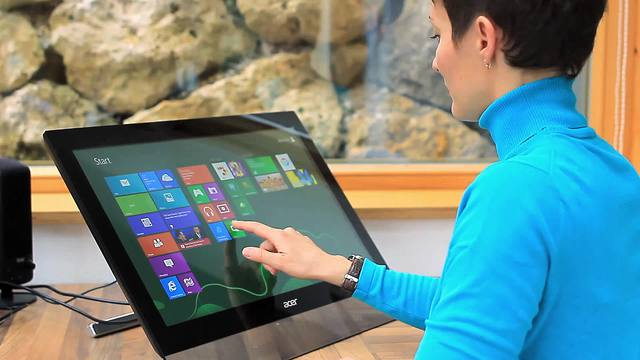 Acer - T2 Multi-Touch Monitor Video 3